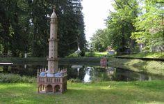 Minaret v Lednici Dalších 59 modelů českých památek čeká v Parku Boheminium. Skvělé místo pro výlet!