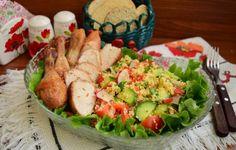 Salată de cuscus cu legume și carne de pui Low Carb Chili, Fresh Rolls, Quinoa, Zucchini, Healthy Eating, Chicken, Meat, Ethnic Recipes, Food