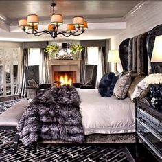 Love it. I would add a chandelier over bed!!