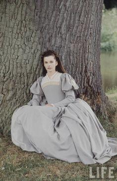 Anne Boleyn, Beautiful Lavender Dress.