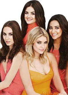 Find images and videos about friends, pretty little liars and pll on We Heart It - the app to get lost in what you love. Abc Family, Ashley Benson, Pretty Little Liars Actrices, Prety Little Liars, Pll Cast, Images Esthétiques, Hanna Marin, Emily Fields, Spencer Hastings
