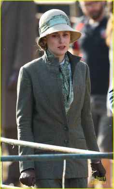 lady edith downton abbey series 6