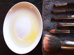 DIY Brush Cleaner  Instead of dish soap I use my shampoo.Like the idea of adding olive oil.