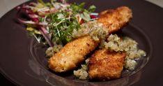 Mettez du punch dans votre menu de semaine avec cette recette de filet de sole en croûte de flocons de pommes de terre facile et rapide à préparer! Fish And Seafood, Chicken, Punch, Tv, Steak, Seafood, Clams, Cod, Pisces
