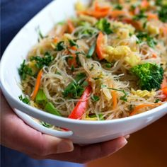 Stir-Fried Cellophane Noodles is known as pancit, a colorful Filipino vegetable-laden noodle dish sure to be a crowd-pleaser. It's as good at room temperature as it is served warm, and can be made a day ahead. {Vegan} This looks yummy! Side Dish Recipes, Easy Dinner Recipes, Asian Recipes, Easy Meals, Ethnic Recipes, Asian Foods, Vegetarian Recipes, Cooking Recipes, Healthy Recipes