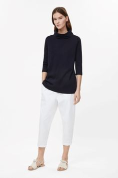 A-line top with folded collar