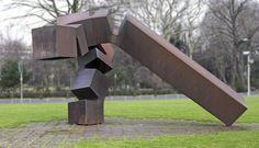 File:Chillida monumento vor thyssen düsseldorf.jpg