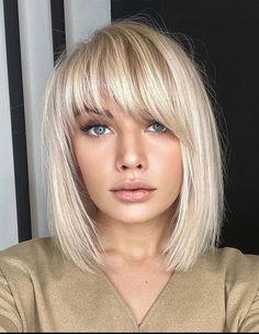 Medium Hair Cuts, Medium Hair Styles, Short Hair Styles, Short Hair Cuts Girls, Shoulder Length Hair Cuts With Bangs, Long Bob Hair Cuts, Blunt Haircut Medium, Hair Highlights, Blonde Highlights Bob Haircut