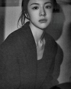 Korean Beauty Girls, Pretty Korean Girls, Female Pose Reference, Beyond Beauty, Ulzzang Korean Girl, Shy Girls, Just Girl Things, Female Portrait, Photo Poses