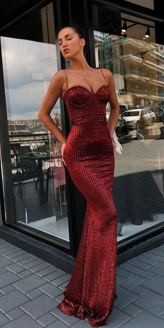 30 Wedding Guest Dresses For Every Seasons & Style ❤️ wedding guest dresses sheath with spaghetti straps sweetheart neckline burgundy sequins liastubllaofficial weddingforward wedding bride weddingguestdress 419045940325126960 Elegant Dresses, Pretty Dresses, Sexy Dresses, Beautiful Dresses, Uk Prom Dresses, Prom Outfits, Ladies Dresses, Ball Dresses, Evening Dresses