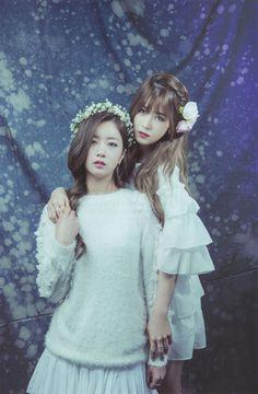 Apink - Bomi & Chorong