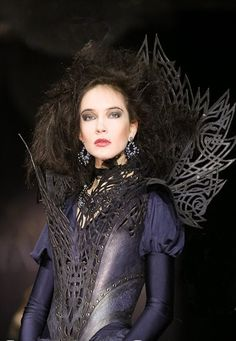 Gorgeous gothic costuming (photos by Andrew Kanounov @ Swelarpers - tumblr)