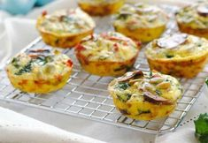 Make-Ahead Healthier Breakfast Muffins - Turkey bacon, mushroom, kale and sundried tomato filled egg muffins made in advance, then freeze them. In just a minute in the microwave, you'll have a healthy and tasty hot breakfast! Breakfast For A Crowd, Healthy Breakfast Muffins, Breakfast Recipes, Breakfast Ideas, Bacon Restaurant, Bacon Egg Muffins, Flat Belly Smoothie, Cooking Recipes, Healthy Recipes