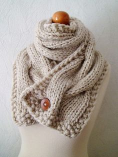 I love this single button scarf!