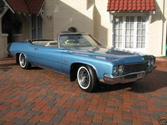 CarNewz: 1971 Buick LeSabre Convertible. This was the dreamiest shade of blue ever for a car!                      #blue #buick