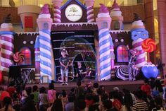 Who wanna get inside of a GIANT BUBBLE? You can do it Only at Summarecon Mal Serpong!