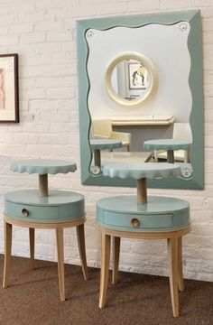 1940s - Pair of end tables and mirror: blond wood, aqua colored leather clad - (vintage lady, the forties, World War II era, interior decor, home) https://www.pinterest.com/pin/26458716530894569/