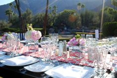 palm springs florist. Tablescape by http://www.madisonworkshopwest.com   Planning by: http://www.theWEstudio.com