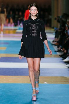 Miu Miu Spring 2017 Ready-to-Wear Fashion Show - Sonia Ben Ammar