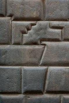 Inca's stone masonry: Part of a wall in near Macchu Picchu, Peru. - Inca's stone masonry: Part of a wall in near Macchu Picchu, Peru. Ancient architecture at its fin - Ancient Aliens, Ancient History, European History, American History, Ancient Peruvian, Architecture Antique, Inca Architecture, Objets Antiques, Stone Masonry