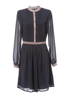 Cómo usar los vestidos fluidos de manga larga | Long Sleeved dress | Vestido de Bonsui disponible en SALE en www.styleto.co