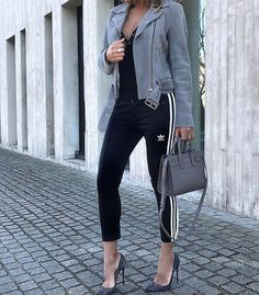 """""""Mi piace"""": 1,063, commenti: 59 - STYLED n CHIC (@stylednchic) su Instagram: """"Sporty chic @giuliarobstyle #bikerjacket SKU: 195958902 See link in bio"""""""