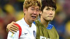 Asien – alle asiatischen Teams (Südkorea, Japan und Iran) sind bereits nach der Vorrunde ausgeschieden. Hier weint Son Heung Min nach dem WM-Aus gegen Belgien