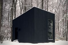 This tiny black cabin by US firm Studio Padron serves as a cosy library and guest house for a vacation home in upstate New York Upstate New York, Cabin Design, House Design, Norwegian House, Micro House, Tiny House Cabin, Sauna House, Wooden Cabins, Secret Rooms