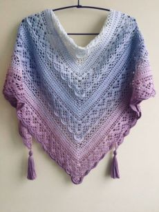 ВЯЗАНИЕ. ШАЛИ , ШАРФЫ, ПОНЧО, НАКИДКИ. | Татьяна Моторо | Простые схемы. Экономим время на Постиле Crochet Apple, Crochet Wool, Bead Crochet, Crochet Scarves, Crochet Shawl, Crochet Stitches, Crochet Butterfly Pattern, Free Crochet Doily Patterns, Crochet Triangle