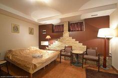 """Willa """"Pod Basztą"""" położona jest 300m od Rynku w Kazimierzu Dolnym oraz 100m od Wisły. Polecamy: http://www.nocowanie.pl/noclegi/kazimierz_dolny/pensjonaty/2747/ #nocowaniepl #vacation #travel #accommodation #Poland"""