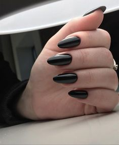 Best Nail Polish Colors For Olive, Tan, Light, Medium Skins - The Finest Feed How to use nail polish? Nail polish in your friend's nails looks perfect, but Black Nail Art, Black Nail Polish, Best Nail Polish, Nail Polish Colors, Black Nails, Black Almond Nails, Black Manicure, Red Nail, Nail Nail