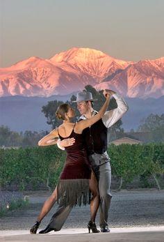 Argentina será el país anfitrión del 37° Congreso Mundial de la Viña y el Vino https://www.vinetur.com/2014090816662/argentina-sera-el-pais-anfitrion-del-37-congreso-mundial-de-la-vina-y-el-vino.html