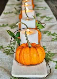 Mini Pumpkins Are The Easiest Thanksgiving Table Decoration