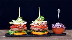 Recept: Burger na máslové dýni se zelným salátem Whole 30, Caramel Apples, Lchf, Paleo, Hamburger, Low Carb, Desserts, Food, Tailgate Desserts
