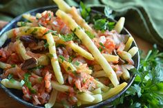 Easy Pasta Salad Recipe, Easy Salad Recipes, Healthy Recipes, Kitchen Recipes, Cooking Recipes, Salads For A Crowd, Food Videos, Easy Meals, Food And Drink