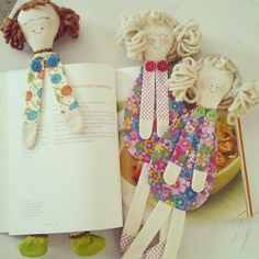 oh my love this, doll, bookmark, book mark, handmade crafts, crafts for kids, cute crafts, fun crafts. Bonequinha marca páginas