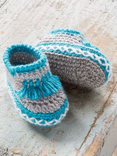 New Crochet Patterns - These stylish slippers are made using Premier Yarns Ever Soft worsted-weight. Choose from 3 different looks or make a pair in each style. Instructions are written for baby (toddler)/foot length 4 inches. Baby Moccasin Pattern, Baby Booties Knitting Pattern, Crochet Baby Boots, Love Crochet, Crochet Yarn, Baby Knitting, Moccasins Pattern, Pikachu Crochet, Crochet Baby Blanket Beginner