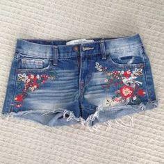 Denim - Embroidered denim shorts