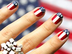 Nail art for the 4th