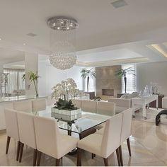 Une pièce à vivre luxueuse   design d'intérieur, décoration, pièce à vivre, luxe. Plus de nouveautés sur http://www.bocadolobo.com/en/inspiration-and-ideas/