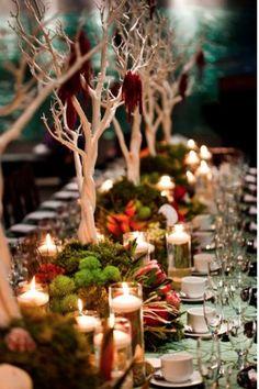 Mesa de bosque encantado invernal.  PERFECTA