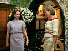 Princess mathilde met the queen lalla salma . Tuesday 24 November The Prince and Princess are on a four-day trade mission in Morocco. Al Amira, Lalla Salma, Prince And Princess, Morocco, Style Icons, The Twenties, Beautiful Pictures, Dresses For Work, Queen