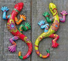 Clay Fish - fun to make for grandma and grandpa - Salvabrani Paper Mache Projects, Paper Mache Crafts, Clay Projects, Clay Crafts, Arts And Crafts, Deco Cuir, Paperclay, Mexican Art, Aboriginal Art