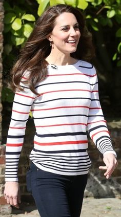 3d866a62624 Casual Kate hosts pre-marathon reception at Kensington Palace