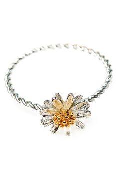 daisy ring, Astrid & Miyu