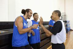 Joakim Noah and Derrick Rose chillin with Obama