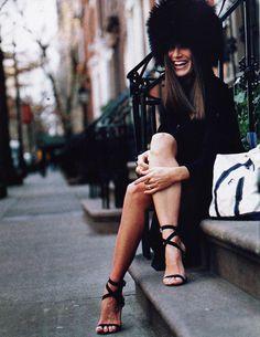 love the hat..... Fashion icons : Elizabeth Saltzmanon