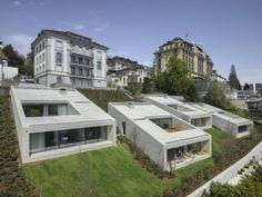 Des villas troglodytes en milieu urbain, c'est l'idée du cabinet Lischer Partner Architekten Planer pour organiser l'espace d'un des quartiers résidentiels de Lucerne en #Suisse. #architecture #insolite