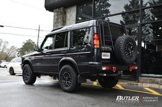 Land Rover Discovery with Black Rhino York Wheels exclusively from Butler Tires and Wheels in Atlanta, GA - Image Number 11439 4x4 Wheels, Black Wheels, Black Cars, Land Rover Discovery 1, Discovery 2, Tiger Cubs, Tiger Tiger, Bear Cubs, Bengal Tiger