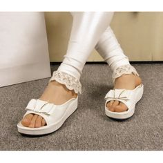 Cool Summer Slippers Womens Shoes Sandals Glitter Metal Bow Decor High Platform Beach Shoes Casual Style Bath Shoes T929Z